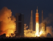 delta-IV-heavy-rocket-lifts-off-from-space-launch-complex